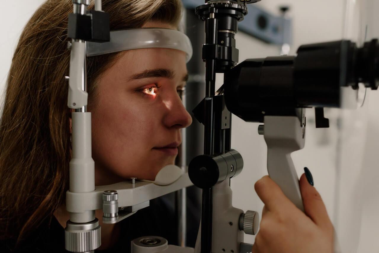 Optyk ostrzega – wady wzroku coraz częstsze